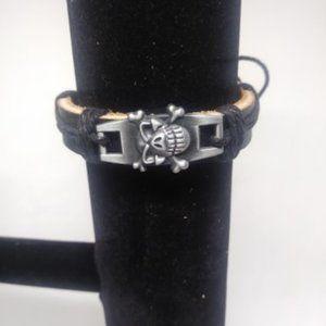 New unisex Leather Skull Bracelet